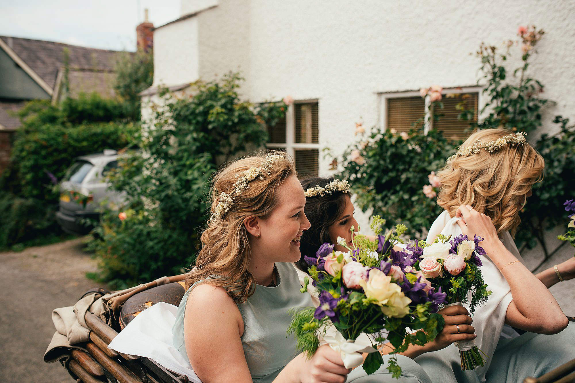 bridesmaids in vintage bentley