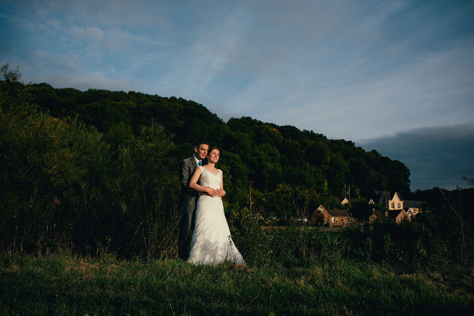 Relaxed wedding couple portraits