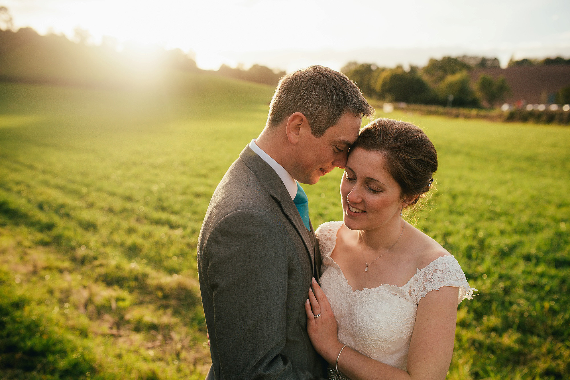 Relaxed wedding couple portraits golden hour